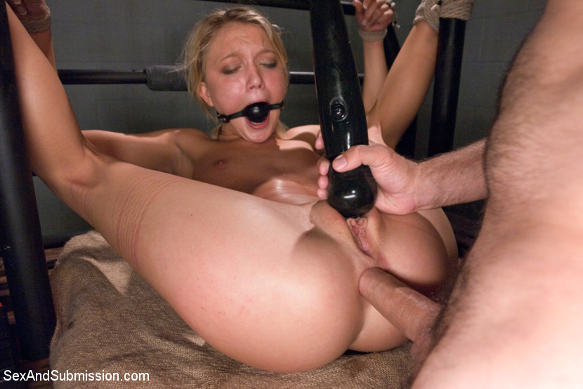 Anal Squirt Threesome Hd