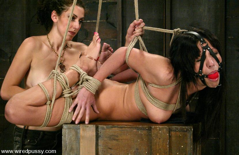 Lesbian Feet Worship Bondage